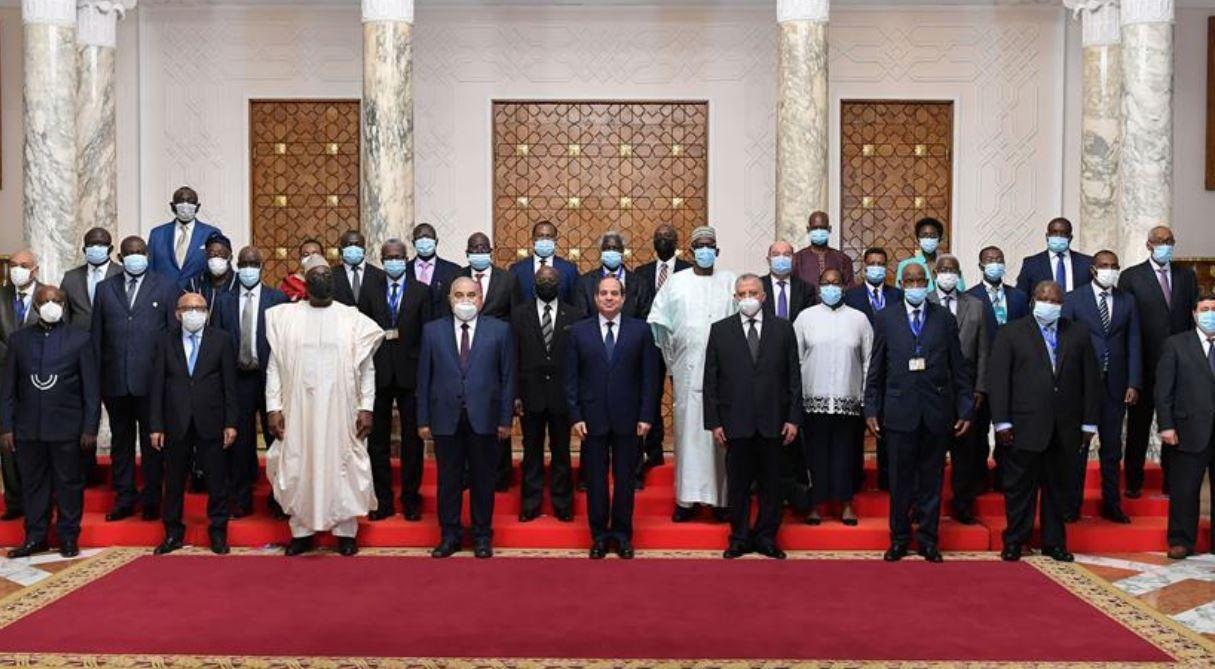الرئيس عبد الفتاح السيسي يستقبل رؤساء المحاكم الدستورية والعليا الأفارقة