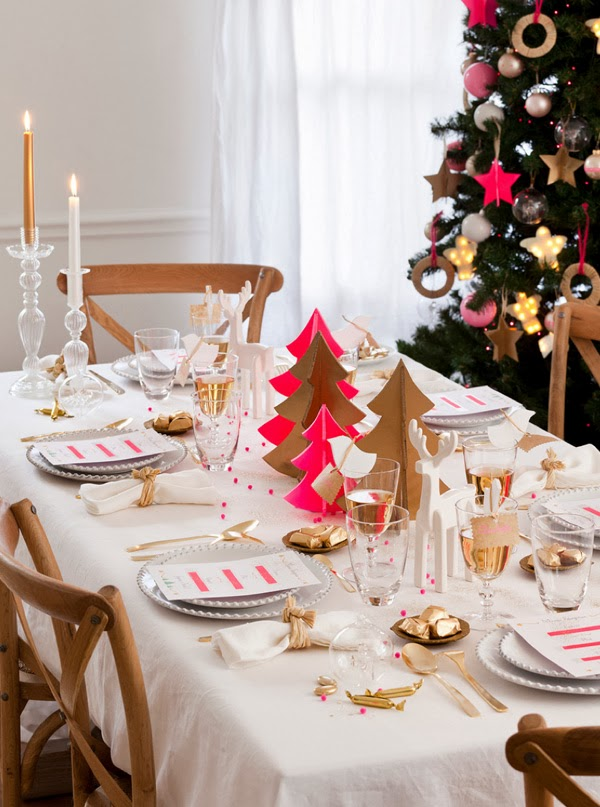 Hot pink and gold Christmas decorations
