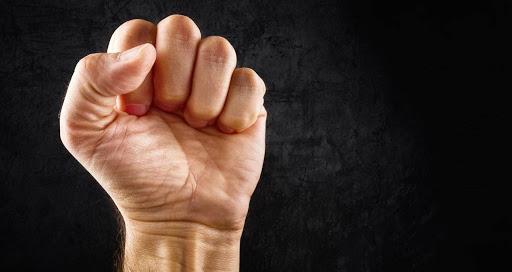 Δώστε μας πίσω την αξιοπρέπεια μας οργή λαού