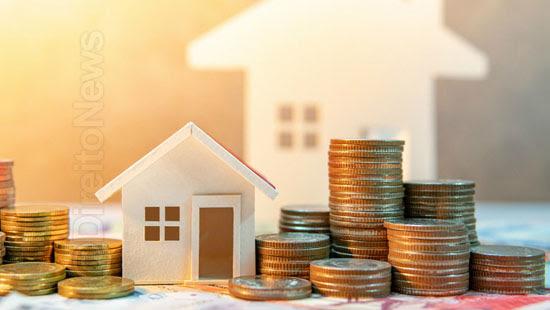 construtora restituir dobro taxas indevidas cobradas