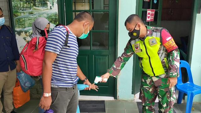 Tepatnya Di Taman Hewan Siantar, Personel Jajaran Kodim 0207/Simalungun Laksanakan Protkes Dalam Rangka PPKM Skala Micro