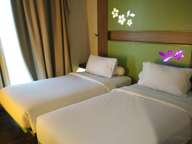 kamar ibis styles hotel