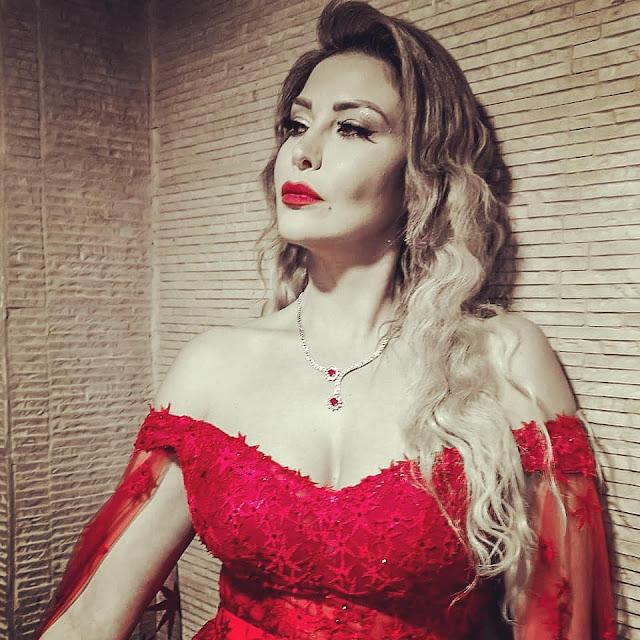 """كريستينا صوايا  تتألق بـ""""الأحمر"""" فى عيد الحب"""