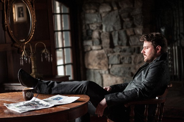 Video: Chris Young - Sober Saturday Night