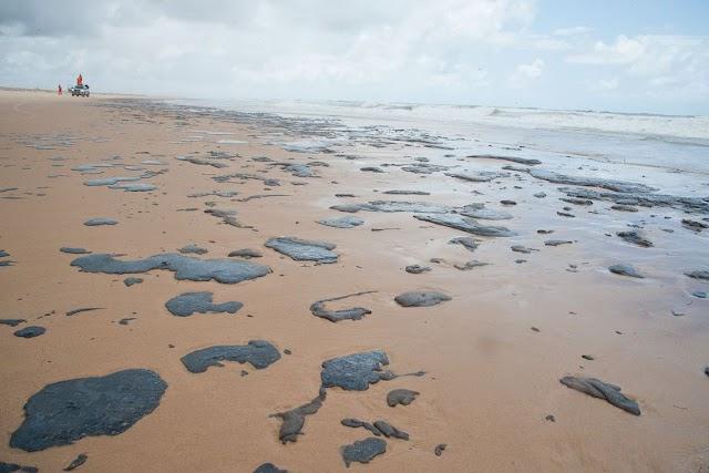 Óleo volta a aparecer no litoral do Ceará