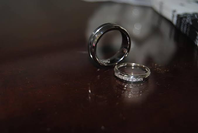 Cerita Korban 'Tukar Istri' Berbalut Penelitian