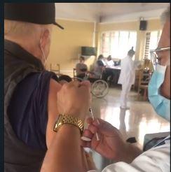 Ministro de Salud reacciona ante no vacunación en Tres Rios