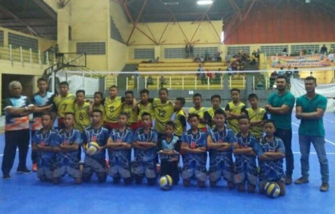 Mantan Atlet Timnas Dirikan Sekolah Bola Voli di Garut