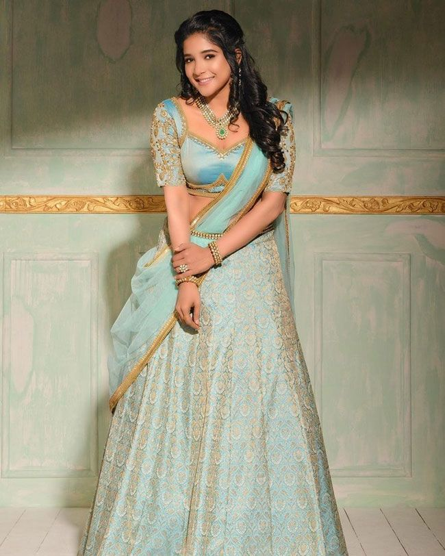 Beauty Gallery: Sakshi Latest Pictures