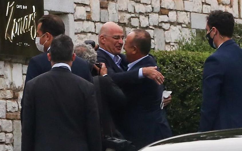 Ο εναγκαλισμός με την Τουρκία και ο μιθριδατισμός