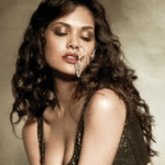 Esha Gupta Latest Hot Photoshoot for Filmfare Magazine