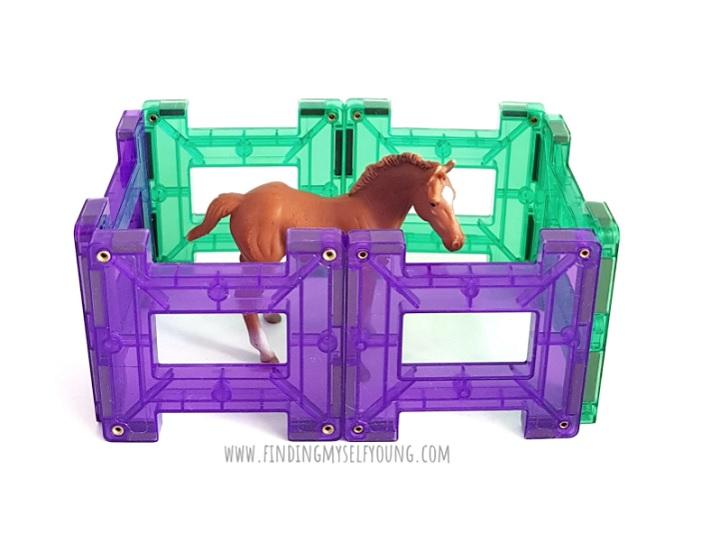 connetix horse fences using gate tiles