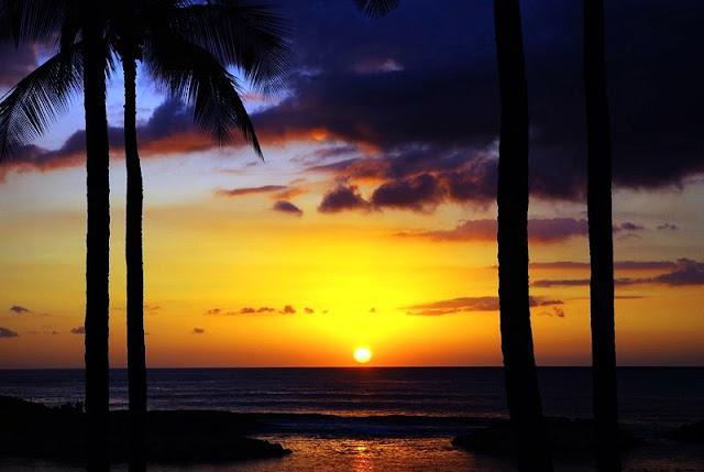 golden sunset at Hawaii Beach