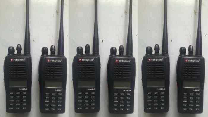 Sewa HT Toriphone TP 98 DLX tersedia dengan type Toriphone TP 998 DLX jarak, range sekitar 100-1000 meter.