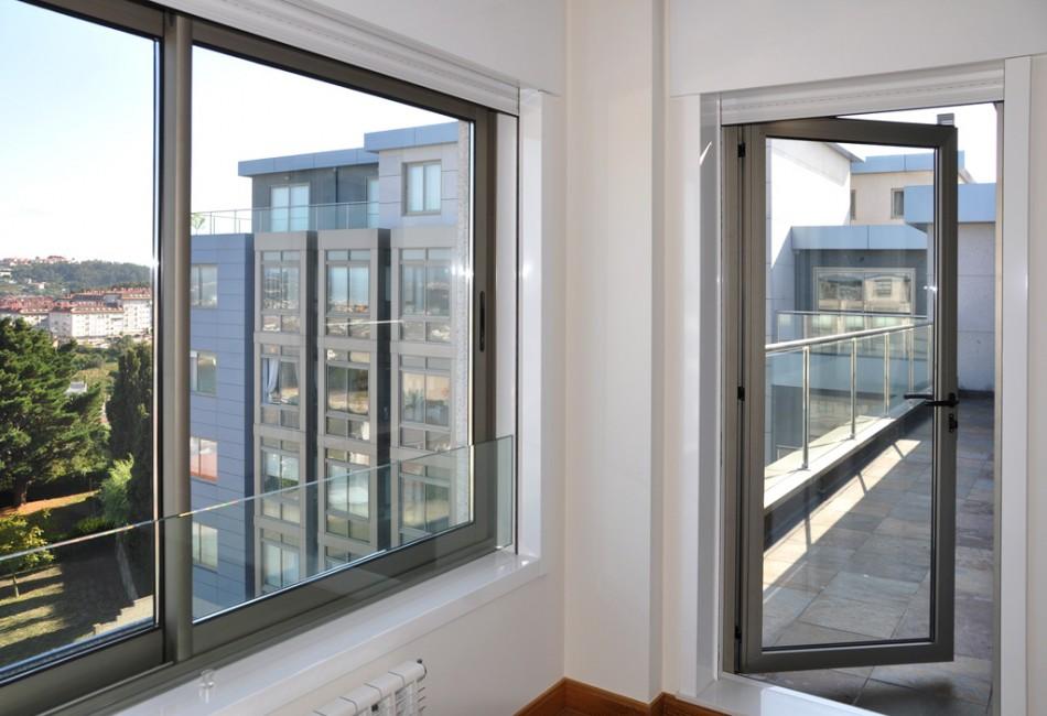 Instalaci n de ventanas aislantes ventanas aluminio for Ventanas de aluminio en sevilla