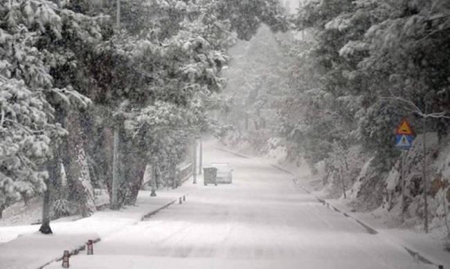 Έρχεται χειμώνας με κρύο και χιόνια και στα πεδινά