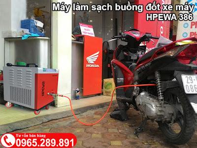 Làm sạch buồng đốt xe máy