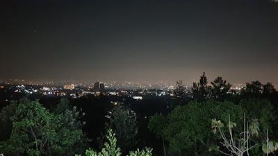 Dari atas Punclut di malam hari