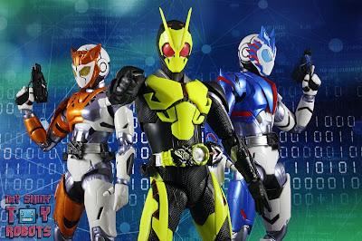 S.H. Figuarts Kamen Rider Valkyrie Rushing Cheetah 31S.H. Figuarts Kamen Rider Valkyrie Rushing Cheetah 43