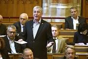 """""""Aki embernek hitvány, az magyarnak alkalmatlan."""" – Gyurcsány tombolt a Parlamentben 📺"""