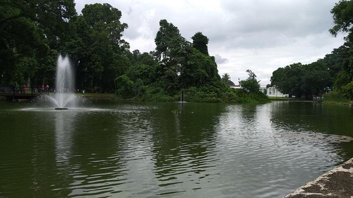 Danau atau Kolam Gunting Kebun Raya Bogor - POJOKCERITA