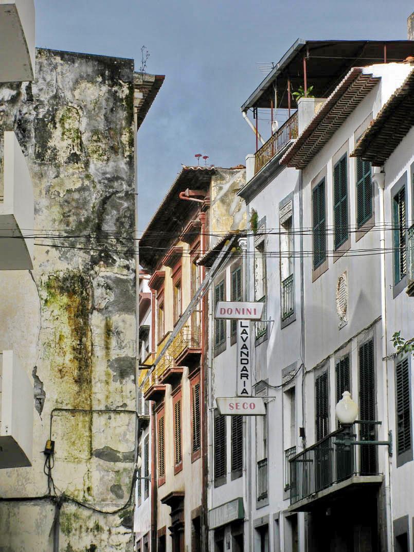 old buildings in Rua das Pretas
