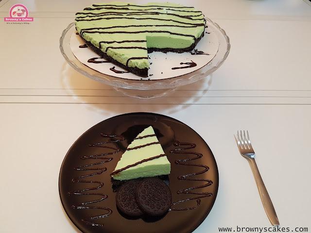 Oreo Pistache Cheesecake