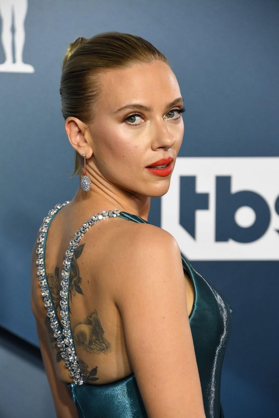 Scarlett Johansson Looks Hot in Party Dress