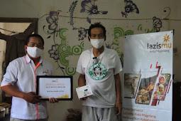 Lazismu Kota Magelang Bantu Alat Dengar Untuk Pak Haryanto