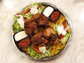 Emado's Shawarma, Kuliner Menu Ayam Panggang Khas Palestina di Solo