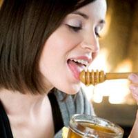 Chăm sóc da mặt bạn với mật ong