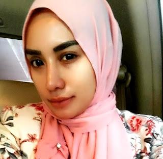 Foto Shinta Bachir Hijab Cantik
