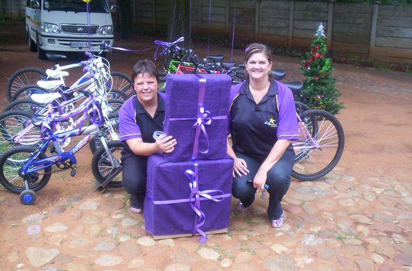 Hollywoodbets River Square (Vereenging) with donations of new bicycles to Trentico House