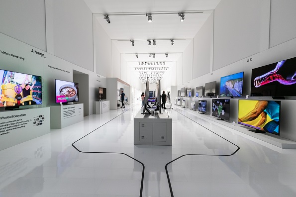 Samsung Showcases Flagship Products MENA Forum 2020