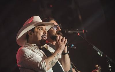 Edson e Hudson animam a sexta-feira na tela da Band. Foto: Denis Ono/Facebook Oficial