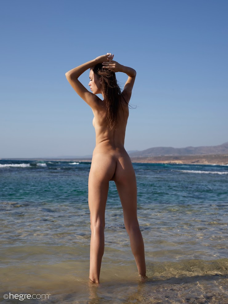 title2:Hegre Alice Nude In Cyprus