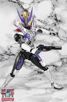 S.H. Figuarts Shinkocchou Seihou Kamen Rider Den-O Sword & Gun Form 70