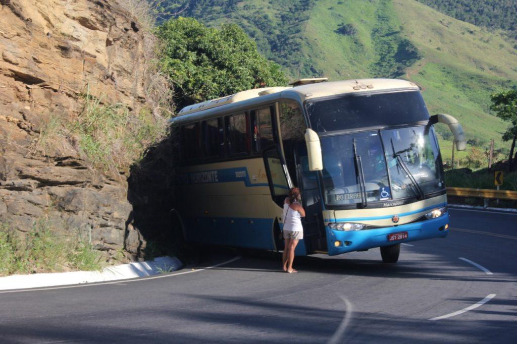 Conquista: Ônibus tem problema na ladeira do Marçal, e viagem de Carnaval quase termina em tragédia