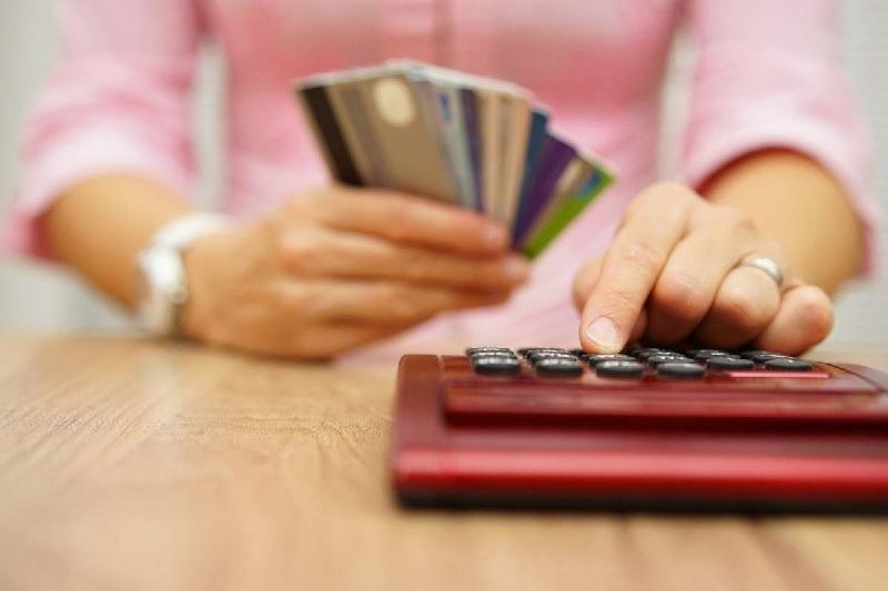 4 lưu ý giúp bạn không mất tiền oan và tìm hiểu rõ về lãi suất thẻ tín dụng 2021