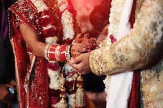 शादी के 10 दिन बीतने के बाद दूल्हेराजा निकले कोरोना पॉजिटिव, थाने में भी मची खलबली | #NayaSabera