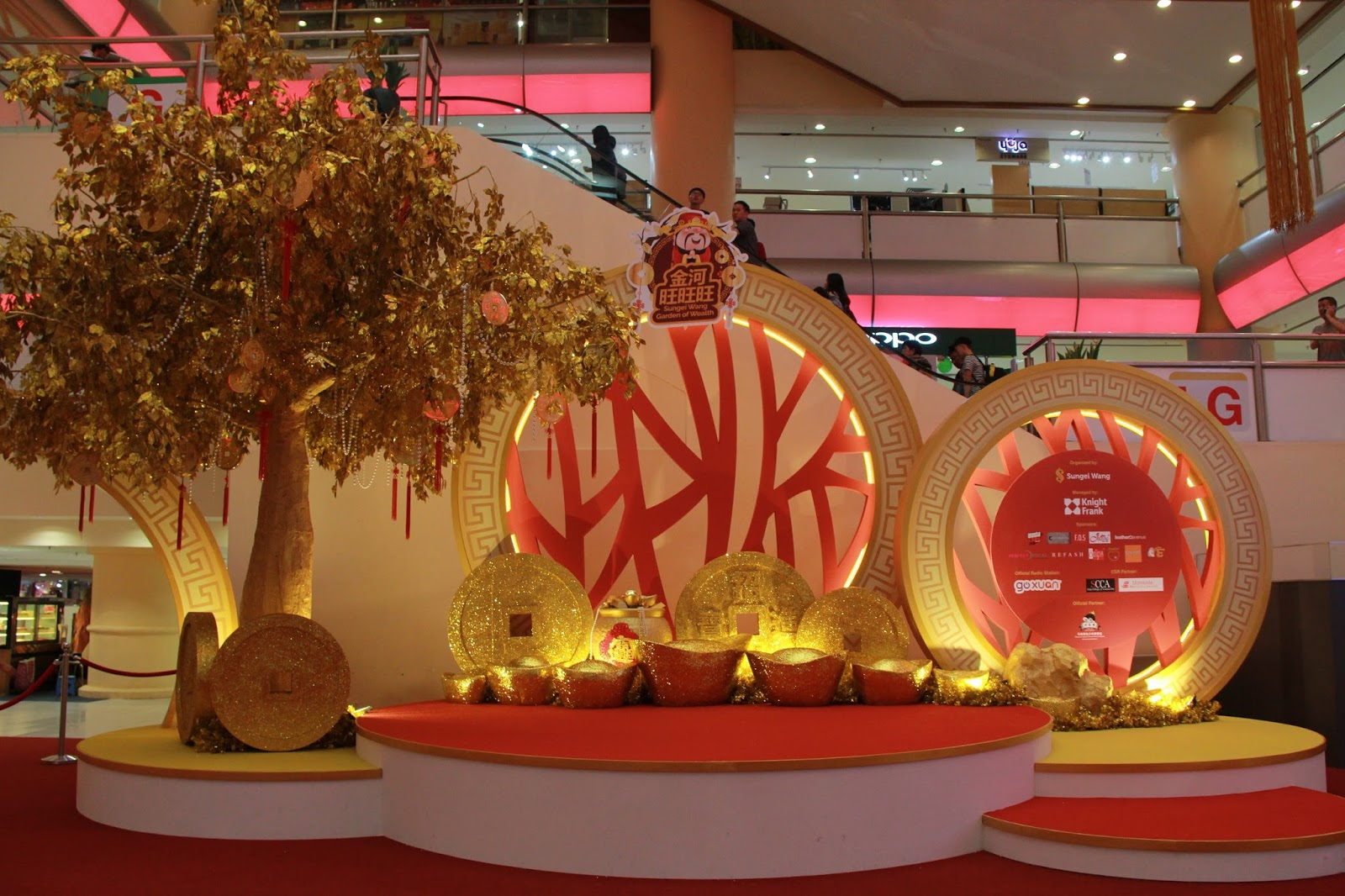 Immerse into sungei wang garden of wealth weekend treat for Ang pao decoration