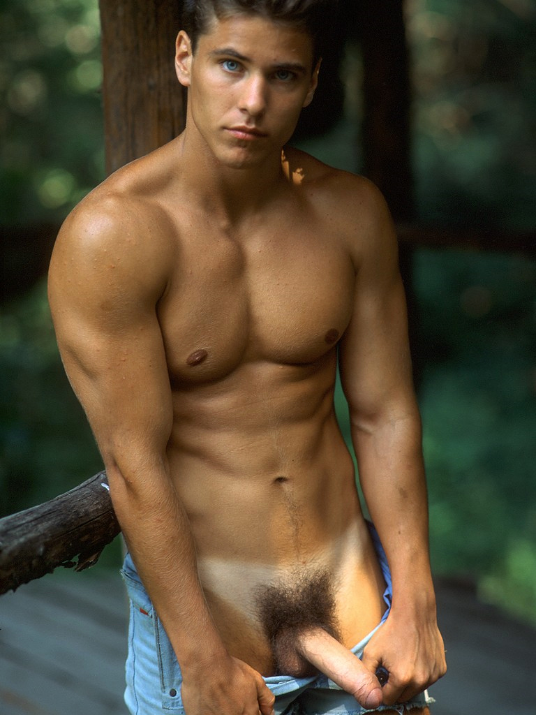 Sexy Young Nude Guys