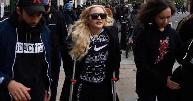 Madonna Ikut Aksi Protes Kasus George Floyd di London