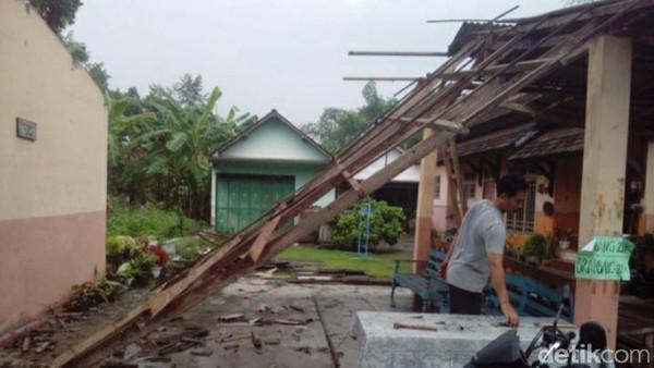 Terdampak Gempa Malang M 6,1, 53 Bangunan di Tulungagung Rusak
