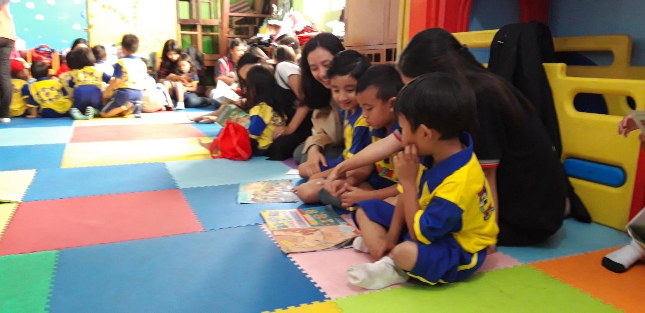 Budaya Membacakan Buku Pada Anak Usia Dini