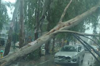 पूरे UP में बारिश का कहर, अब 2 दिनों तक प्राइमरी स्कूल से लेकर यूनिवर्सिटी तक सब बंद