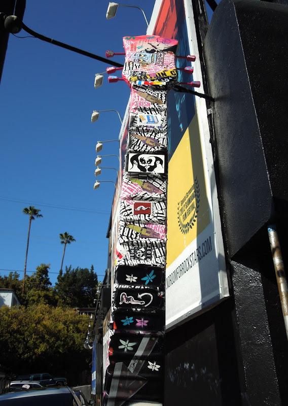 Hornburg Land Rover >> Collaborative Street Art guitar