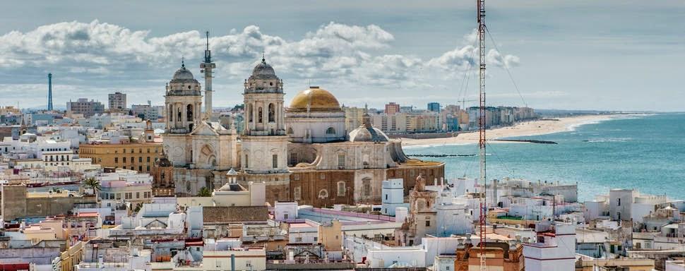 Tourism in Cádiz, Andalucía, Spain