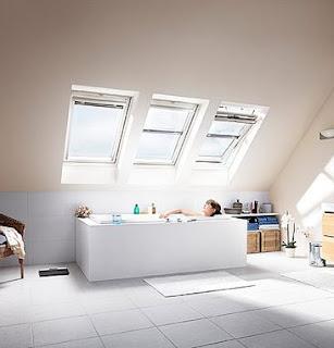 Arredo in finestra per mansarda for Finestra nel tetto