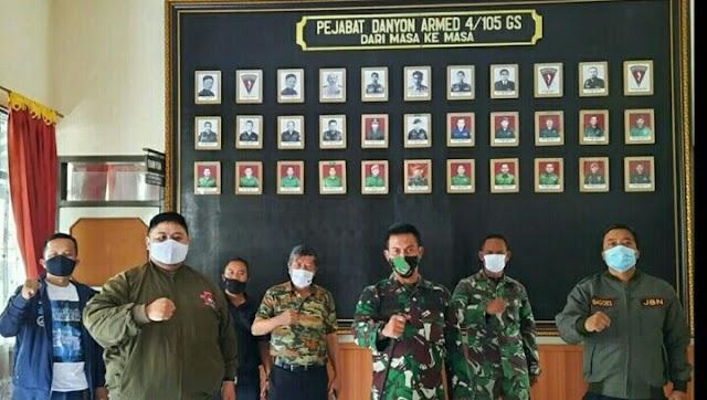 Jurnalis Bela Negara Kunjungi Batalyon Armed 4/105 GS